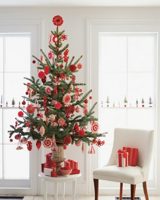 ml1204_hol08_ribb_tree_hd