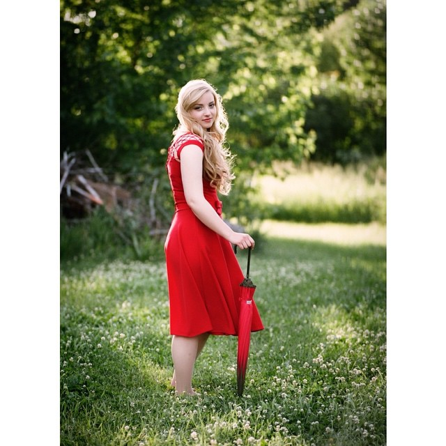A splash of color: Miss Jessica #seniorpictures #Owatonna #mamiya645 #filmshooter #portra400 #paquinstudio