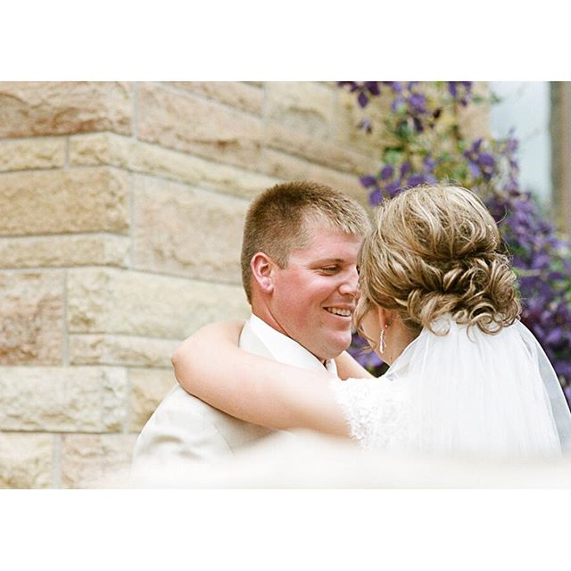 How sweet it is! I love little stolen moments at #weddings. Especially with this sweet couple.
