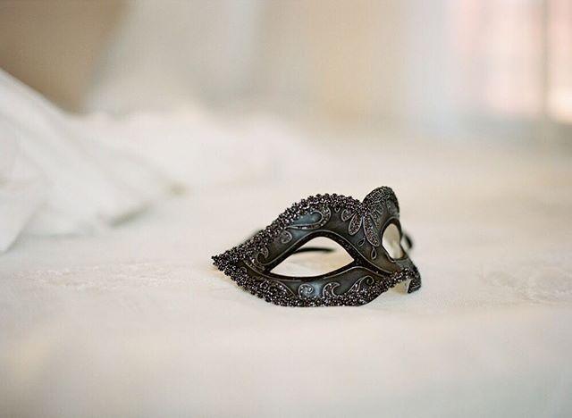 I spy with my masked eye - Valentine's Days boudoir at the studio